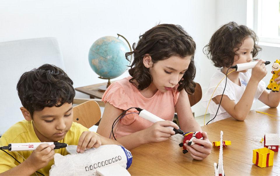 lápiz 3D para niños mesa de trabajo